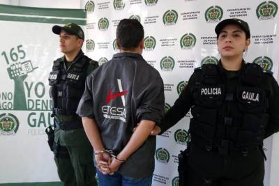 Exigía dinero por devolver vehículos y elementos robados en Bucaramanga