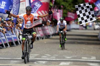 Montiel ganó en Mariquita y Sevilla sigue líder del Clásico