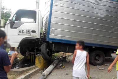 Furgón sin frenos dejó tres personas heridas en Bucaramanga