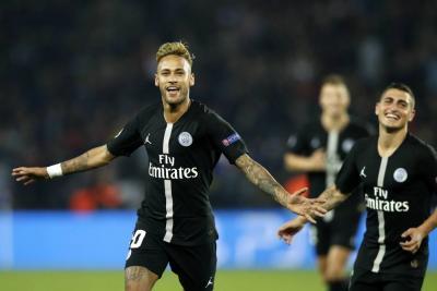 Neymar lideró la goleada del PSG en Champions League