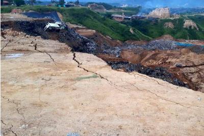 Emergencia ambiental por colapso de una celda de basura en El Carrasco