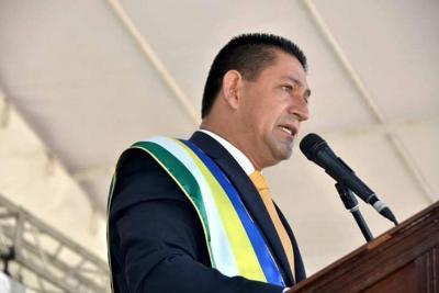 Alcalde de Guadalupe en Santander habló tras escándalo por maletas y droga