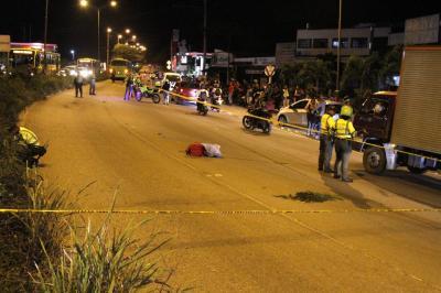 Investigan accidente en el que murió una joven motociclista
