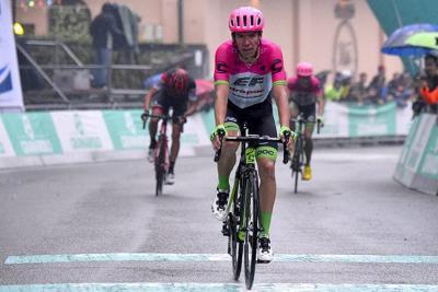 El colombiano Rigoberto Urán terminó segundo en el Giro dell'Emilia, Italia, y completó cuatro podios en la carrera Italia, tres de ellos de manera consecutiva.
