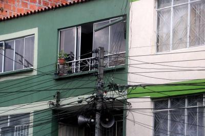 A 50 centímetros de una descarga eléctrica en Bucaramanga
