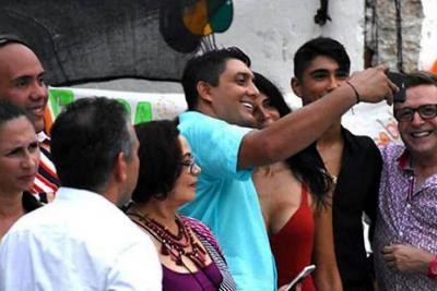 Foto de funcionario de la alcaldía de Cartagena con 'La Madame' genera polémica