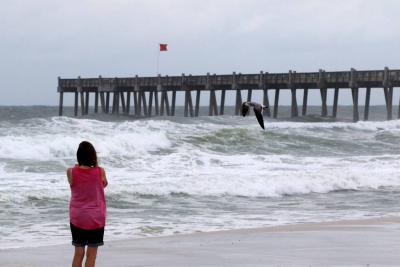 """Florida se prepara para el embate de Michael, un ciclón """"monstruoso"""""""