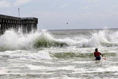 Huracán Michael llegó a categoría 3 mientras avanza hacia la costa de Florida