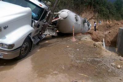 Nuevo accidente en la vía Girón - Zapatoca genera preocupación