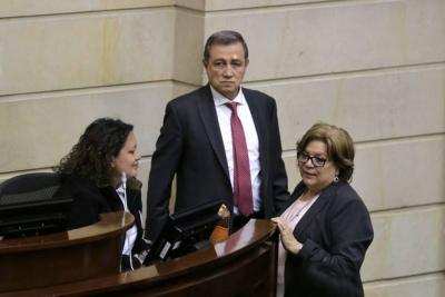 Ernesto Macías apagó el micrófono a estudiante que hablaba en el Congreso