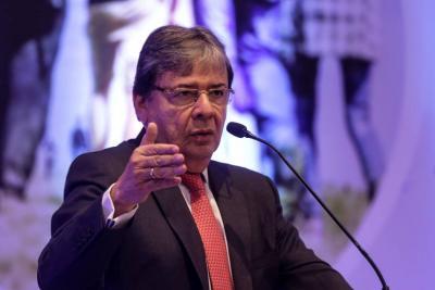 Canciller invita a 'Márquez' y a 'El Paisa' a retomar la paz