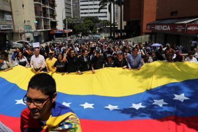 Se cumple el cortejo fúnebre del concejal venezolano fallecido