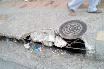 Se deteriora la malla vial en El Poblado