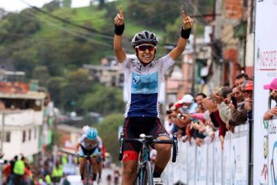 La antioqueña Paula Andrea Patiño, del Coldeportes-Zenú-Sello Rojo, se impuso en la segunda etapa de la Vuelta a Colombia Femenina.
