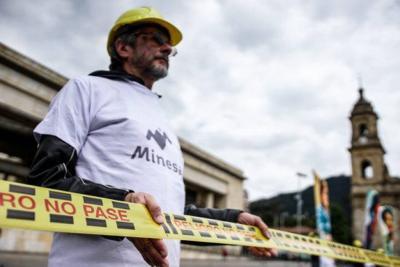 El alto tribunal aprobó la ponencia de la magistrada Cristina Pardo quien aseguró que se debe tener en cuenta que el Estado es el propietario de los recursos del suelo y el subsuelo de la nación, lo cual trasciende los intereses regionales y municipales.
