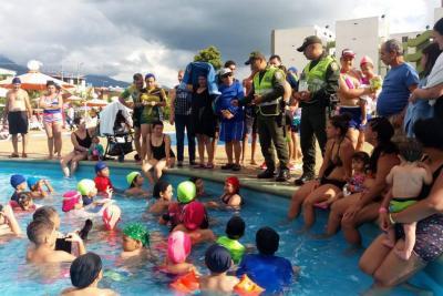 Policía visita sitios de recreación en el área