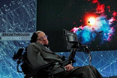 """Último estudio de Stephen Hawking sobre agujeros negros con """"pelo suave"""""""