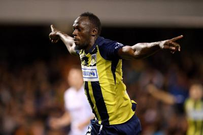 Usain Bolt y sus primeros dos goles como futbolista