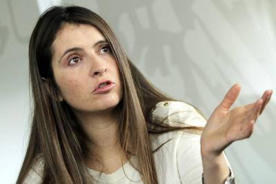 Paloma Valencia sugiere a que egresados aporten 20 % de su salario a la educación