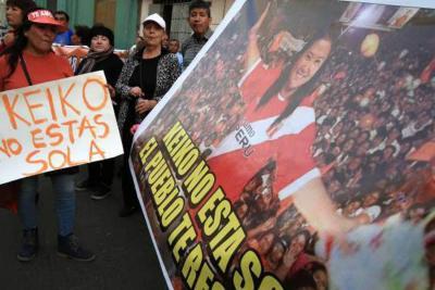 Asesores de Keiko Fujimori fueron capturados durante marcha en Perú