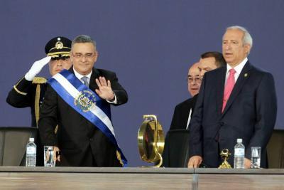 Ordenan arresto de expresidente salvadoreño  por caso de corrupción