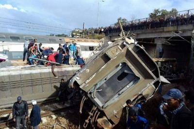 Seis muertos y 72 heridos tras descarrilarse tren en Marruecos