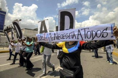 Apagones de 24 horas se viven en 13 estados de Venezuela