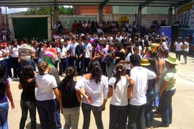 En Curití celebran 50 años de su institución educativa