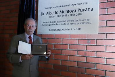 Consejo Superior Estudiantil de la UNAB rindió homenaje al rector saliente