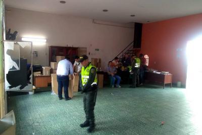Desalojaron sede del sindicato de trabajadores de la Alcaldía de Bucaramanga