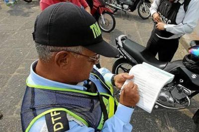 Denuncian agresión hacia un auxiliar de tránsito en Bucaramanga