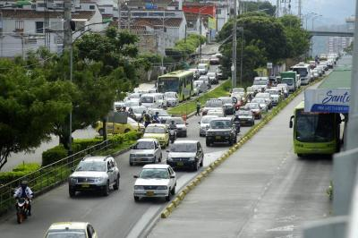 Apertura de primer tramo de paralela TCC-Molinos aumentó caos vehicular en Floridablanca