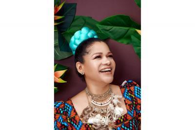 Mayte Montero, la 'reina de la gaita'  presenta su nuevo sencillo 'Báilalo'