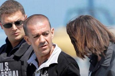 """'Tuso Sierra' dijo que le """"ofrecieron asilo a su familia"""" por información de los Uribe"""""""