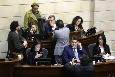 Falta de acuerdo en listas cerradas frenan trámite de la reforma política