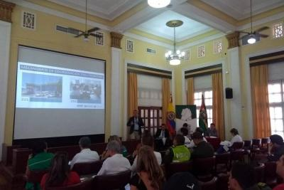 Santander cuenta con una mesa de atención migratoria