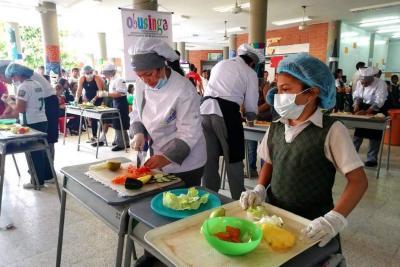 En la Ciudadela Educativa hicieron feria gastronómica