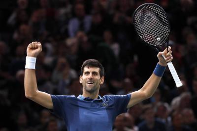 Djokovic supera a Federer en el Masters de París