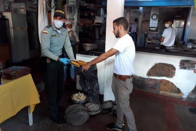 Policía y Secretaría de Salud llevaron a cabo control sanitario en el municipio