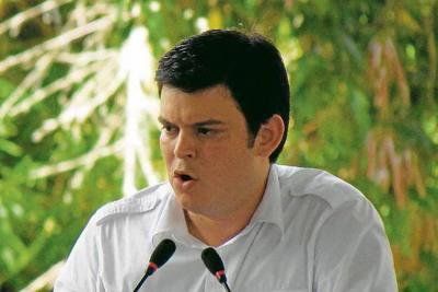 Padre de exgobernador Alejandro Lyons se entregó a las autoridades en Montería