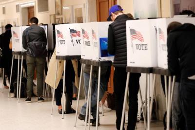 Los estadounidenses se vuelcan a votar para juzgar la presidencia de Donald Trump