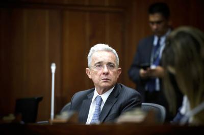 Gobierno buscará alternativas para no gravar la canasta familiar: Álvaro Uribe