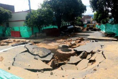 De nuevo se registraron deslizamientos en los cerros de Morrorrico. Al menos diez familias tuvieron que ser reubicadas ayer.