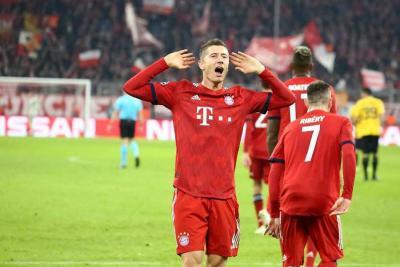 Dos goles de Lewandowski le dieron la victoria al Bayern ante el AEK Atenas