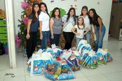 Con esta iniciativa 330 niños de la Fundación Héroes y Valientes podrán estrenar ropa en Navidad.