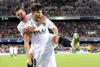 El Valencia de Jeison Murillo venció 3-1 al Young Boys en la 'Champions'