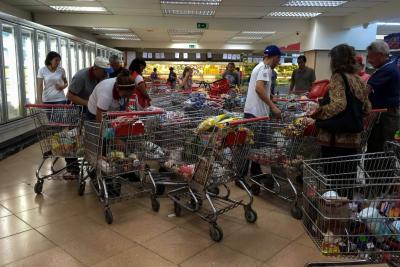 FMI prevé que Venezuela tendrá en 2019 una inflación de 10.000.000%.