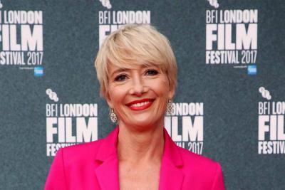 La actriz Emma Thompson recibe el título de dama del Imperio Británico