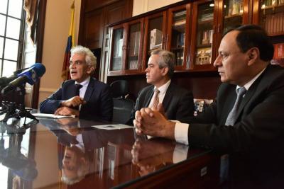 Imagen de la reunión que tuvieron el Ministro de Ambiente, Ricardo Lozano, y representantes de las corporaciones autónomas regionales del país.