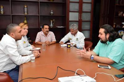 En la Alcaldía del Puerto se llevó a cabo la reunión entre el mandatario local, subdirector del Sena y los secretarios de Educación, Tic y Desarrollo Social.